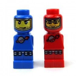 Microfigs Astronauts Red & Blue