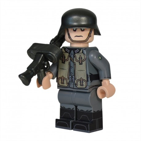 Lego Military United Bricks - United Bricks - WW2 German Soldier MG 30 Pouches