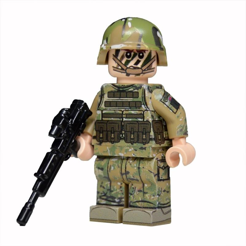 Lego United Bricks - Royal Marine Commando (Light Flesh) Minifigure.  Loading zoom 5d76829b2584