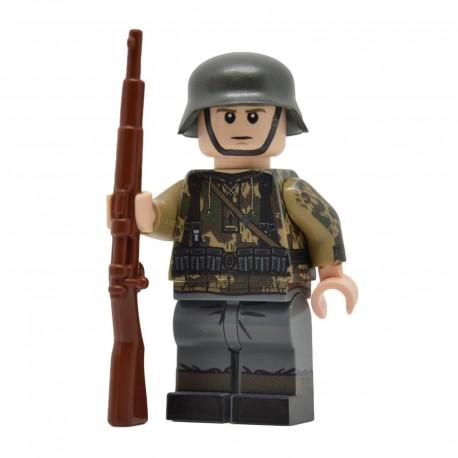 United Bricks - WW2 German with Flamethrower Minifigure Lego