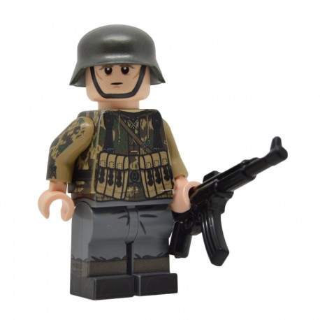 United Bricks - WW2 German in Splinter Camo Smock (StG44) Minifigure Lego