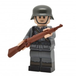 United Bricks - WW2 German Rifleman v2 Stahlhelm Minifigure Lego
