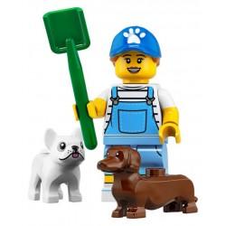 LEGO® Minifig - la promeneuse de chien 71025