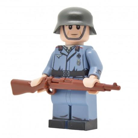 United Bricks - WW2 Luftwaffe Flak Soldier Minifigure