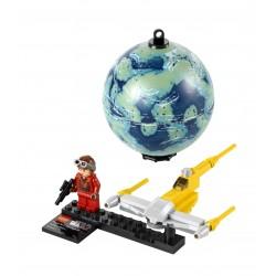 LEGO Star Wars 9674 - Naboo Starfighter & Naboo (La Petite Brique)