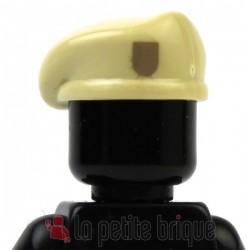 Lego Minifig Custom Accessoires BRICKFORGE Beret (beige) avec insigne beige foncé (La Petite Brique)