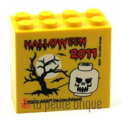 Brick 2 x 4 x 3 with Legoland Deutschland Halloween 2011 and Skull Pattern