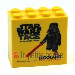 LEGO Collector Star Wars Darth Vader Avril 2009 Brique 2 x 4 x 3 Legoland (La Petite Brique)