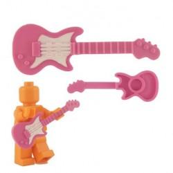 Lego Custom Accessoires Minifig BRICKFORGE Guitare électrique (rose - pickguard blanc) (La Petite Brique)